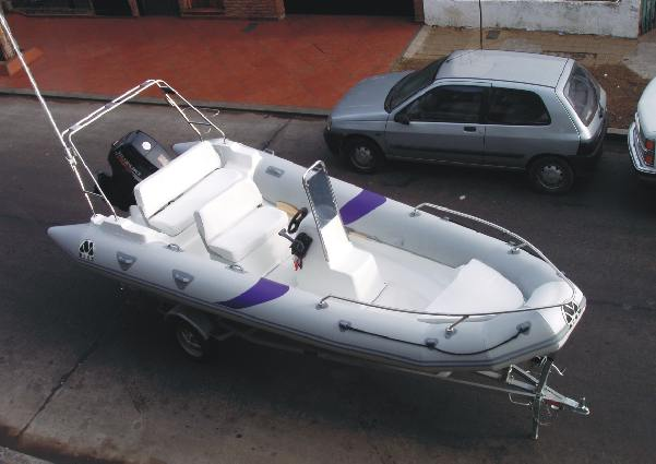 MOON 560 fishing RIB with tower console. semi rigid hull inflable boat ribs lunamar shipyard FULL EQUIPMENT