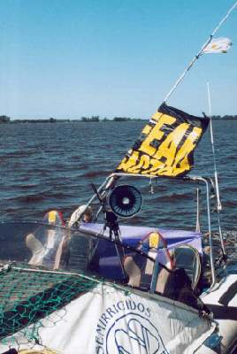 FEAR FACTOR HOLAND boat services, tv productions, risk scenes, regattas races, events, films, photographs, boats rental, MOON Ribs